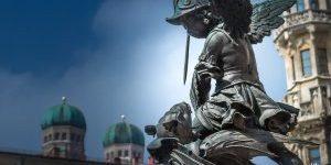 Marienplatz Engel Mit Drachen 1 Von 1